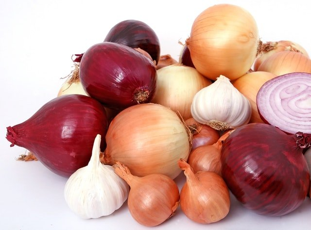 Picture of onions and garlic.jpg